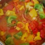 Leczo: paptyka, pomidory, cebula, czosnek - pożywny obiad dla mamy karm